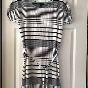 GAP Dresses - Gap white and dark blue stripped short dress